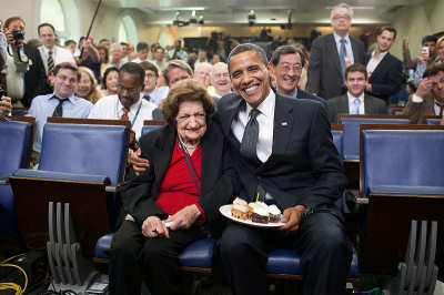 Helen Thomas with President Obama (date unknown)