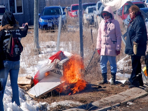 March 27/11 - Native occupiers of Douglas Creek Estates in Caledonia burn our Truth & Reconciliation/Apology monument and our Canadian flag within minutes of attacking us - all while OPP officers watched