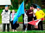 110625 Day 3 Blue Beret vigil at London Mosque vs. support for Cdn. Boat to Hamas