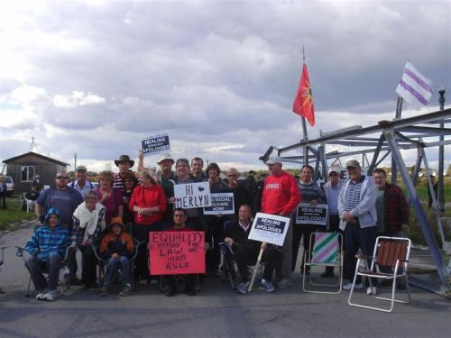 120930 Merlyn Kinrade's friends, neighbours and allies say hello from the final protest of 'Freedom Month' at the occupied Douglas Creek Estates in Caledonia, 6 days before his passing.